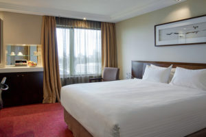 Pullman_Melbourne_on_the_Park_-_Superior_King_Room